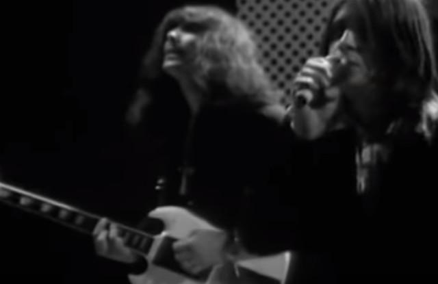 Letra e tradução de Paranoid, do Black Sabbath