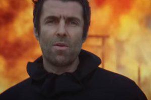 Liam Gallagher em clipe de Shockwave