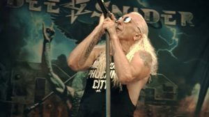 O veterano Dee Snider no clipe 'For the Love of Metal' (Youtube)