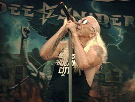 O veterano Dee Snider no clipe 'For the Love of Metal' (Youtube)