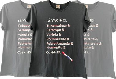 Camiseta da coleção Já Vacinei (Loja Bem Rock)