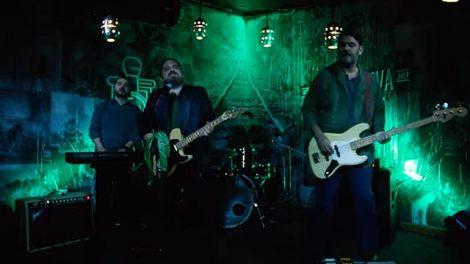 Cena do clipe 'Stones and Gold', da Deepmoon (Reprodução)